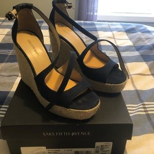 Saks 5th ave wedged sz 7.5